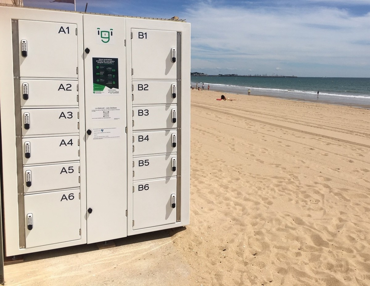 Smart lockers settled in the famous beach resort of La Baule